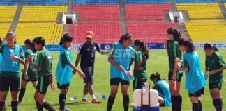 Jelang laga perdana kualifikasi Piala Asia U-16 Putri, pada Sabtu (15/9), kontra Palestina, pelatih Timnas U-16 putri, Rully Nere, langsung menggelar latihan hari kedua, pada Jumat (14/9), di Stadion Spartak, Bhiskek, Kirgizstan. (istimewa)