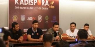 Sebanyak 18 Tim Putra-Putri tampil dalam Turnamen Basket SMA tingkat Nasional, dengan titel Kadispora Cup 2018. Turnamen ini digelar di GOR Ngurah Rai, Denpasar, mulai 22-28 Oktober dan memperebutkan Piala Kadispora. (republika.co.id)