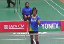 Putri Kusuma Wardani, wakil tunggal PB Exist Jakarta, akhirnya menjadi penentu kemenangan klubnya, usai sukses mengalahkan Saifi Rizka Nurhidayah (PB Mutiara Cardinal Bandung), 21-17, 19-21, 21-17. (Adt/NYSN)