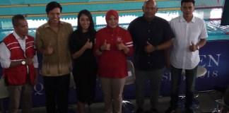 Harlin E. Rahardjo (kedua dari kiri), menyebut '2nd Indonesia Open Aquatic Championship (IOAC) 2018 menjadi ajang promosi dan degradasi atlet Pelatnas SEA Games 2019 Filipina. Ajang ini diikuti ribuan perenang Indonesia dan terdapat perenang asing. (Adt/NYSN)