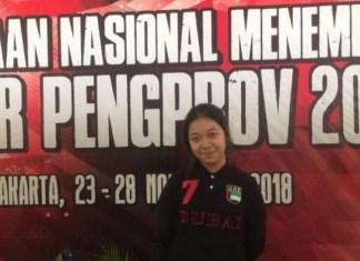 Sebanyak 405 atlet dari 26 Provinsi di Indonesia, tampil dalam Kejurnas Menembak antar Pengprov 2018, di Lapangan Tembak, Jakarta dari 23-28 November. Salah satunya siswi SMPN 2 Bandung yang masih berusia 12 tahun, Lana Nathania Fatima. (tribunnews.com)