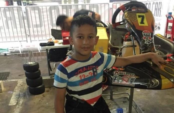 Qarrar Firhand, siswa kelas 2 SD Al Azhar Pusat, Jakarta, yang akan berusia 8 tahun pada 7 Januari 2019, siap berlomba di AKOC (Asian Karting Open Championship) 2018, di Sirkuit Macau International, Macau, Sabtu-Minggu (8-9/12). (mobilinanews.com)