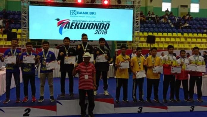 Provinsi Jawa Barat akhirnya meraih gelar juara umum Bank BRI Kejurnas Junior Taekwondo Indonesia 2018 yang berlangsung sejak 14-16 Desember, dengan total meraih 15 medali emas, 1 perak, dan 4 perunggu, di GOR POPKI Cibubur, Jakarta Timur. (PBTI)