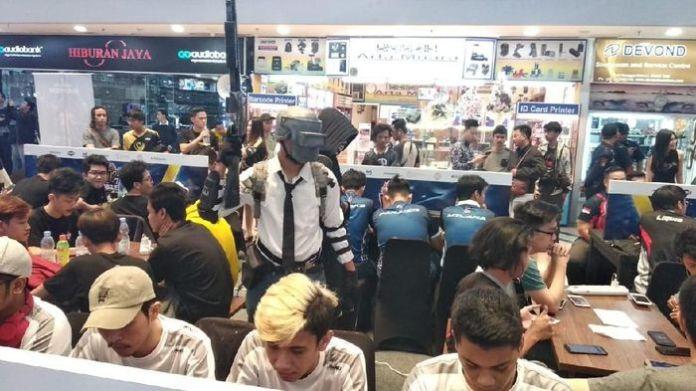 Salah satu kompetisi eSports yang digelar di Mall Mangga Dua. dok.NXL Mobile Esports 2019