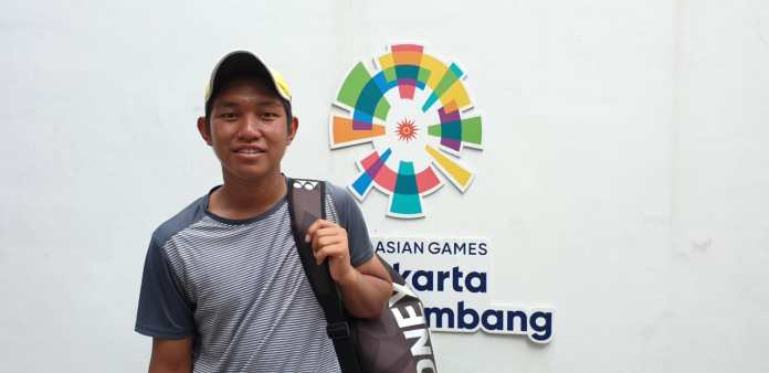 Lucky Candra Kurniawan (15 tahun) membuat kejutan dengan berhasil melangkah ke babak final tunggal putra Medco International Junior Championships 2019.