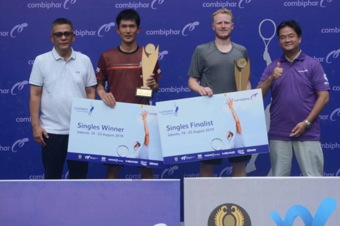 Petenis Jepang, Jumpei Yamazaki (22) berhasil memboyong gelar juara tunggal pekan ketiga Combiphar Tennis Open 2019