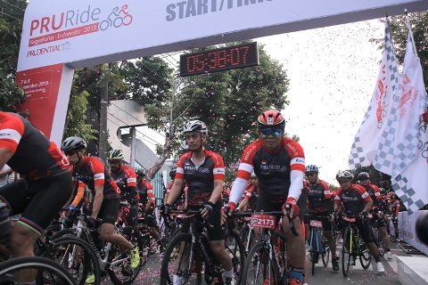 PRURide Indonesia 2019 - Competition - Flag off professional ride
