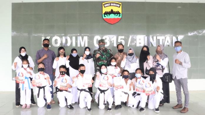 9 Karateka Muda Asal Riau Harumkan Indonesia