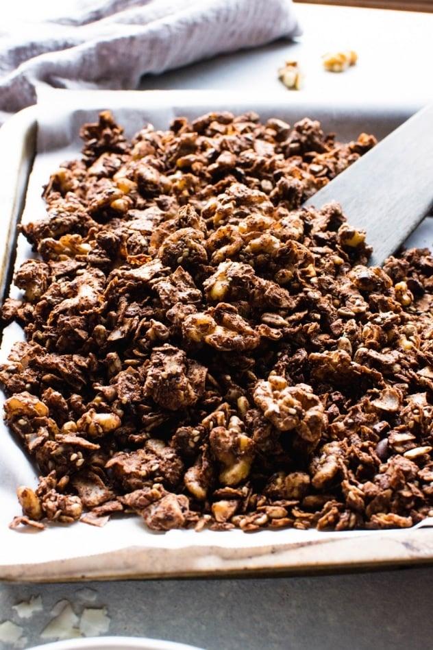 Easy Dark Chocolate Paleo Grain Free Granola {paleo + vegan