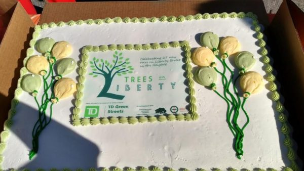 trees-on-liberty-cake