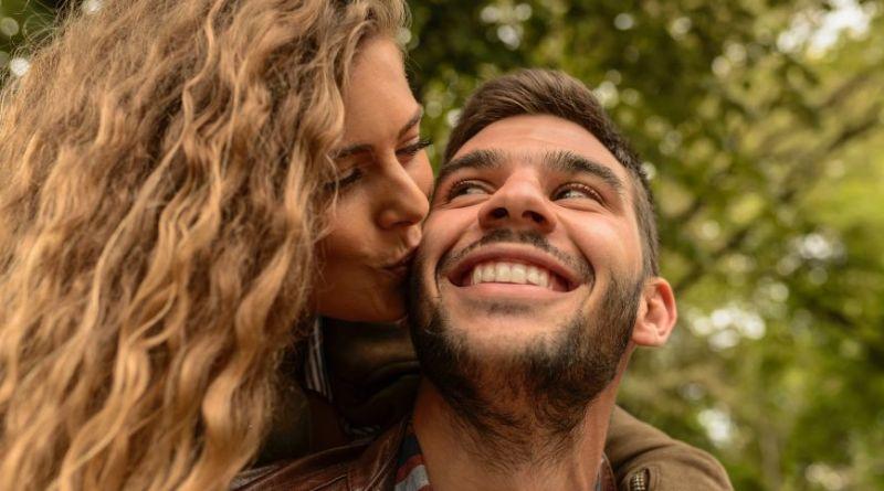 Mandecoaches: En rigtig mand ser fodbold og står fast – så bli'r hun blød