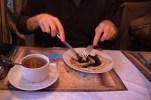 Blini con chocolate y te verde en el restaurante Усадьба Плешанова.