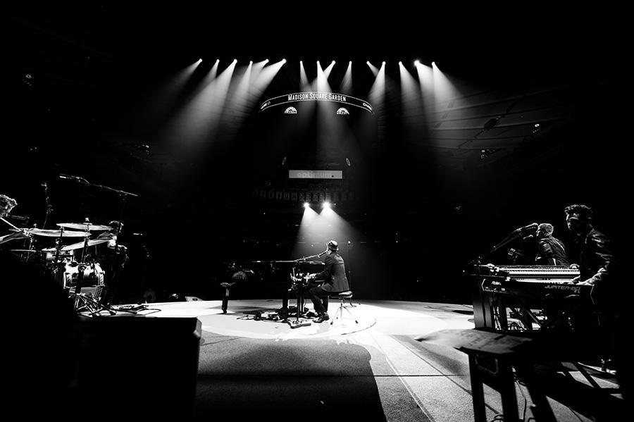 Gavin DeGraw released his greatest hits album, Finest Hour: The Best of Gavin DeGraw.