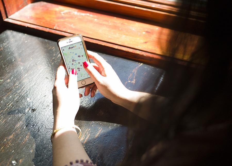 Suppr provides a service that combines Tinder and Yelp to match people for meals.