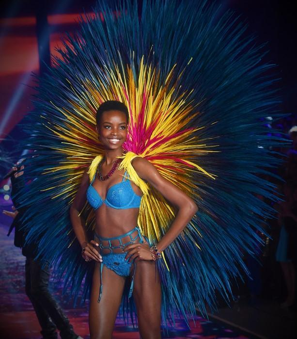Model brings natural hair to Victoria Secret runway