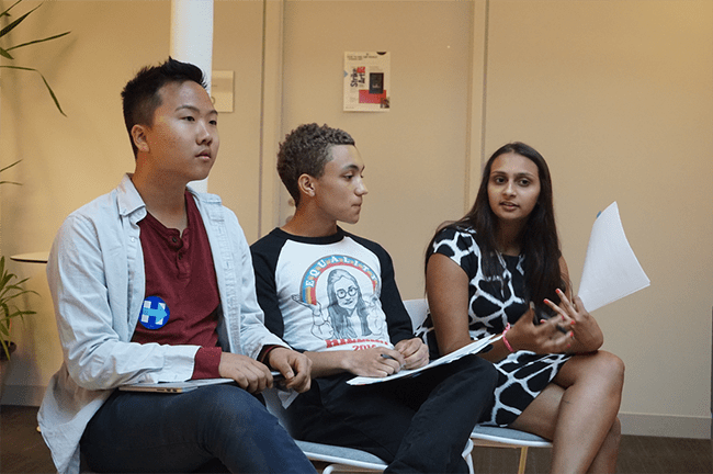 NYU Democrats hosted a debate for members of student advocacy groups on Monday, April 18, in which a variety of topics were discussed, including immigration, representation of women and racial minorities, foreign policy and the economy.