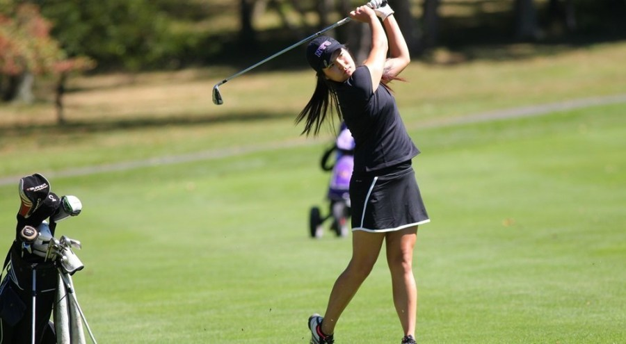 Cat Li performed exceptionally at the NYU Women's Golf team's meet finishing 5th out of 71 golfers.