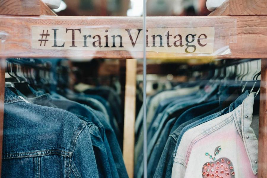 L+Train+Vintage+is+a+vintage+chain+store+of+6+locations+including+Williamsburg%2C+East+Village%2C+East+Williamsburg%2C+West+Williamsburg%2C+Bushwick%2C+Gowanus.
