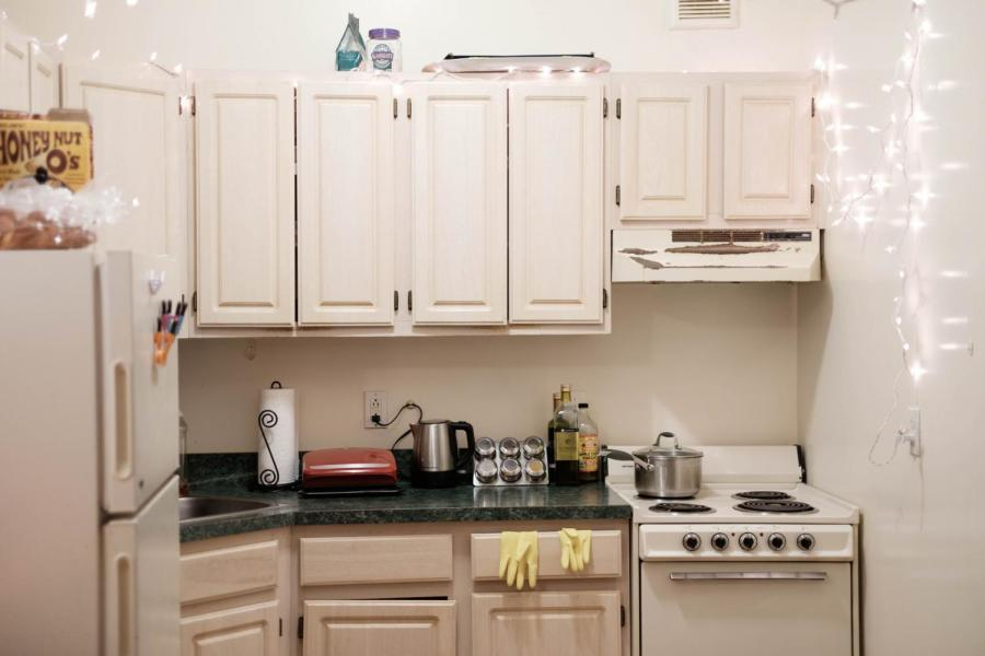 A student dorm Kitchen in Greenwich Hall.