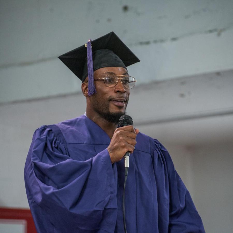 Jermaine Haywood speaks at his graduation. (Photo by Sam Klein)