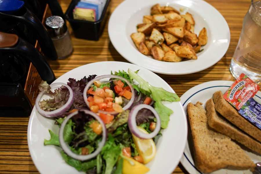 An+array+of+vegan+dishes+at+IHOP+on+14th+Street.+%28Staff+Photo+by+Min+Ji+Kim%29