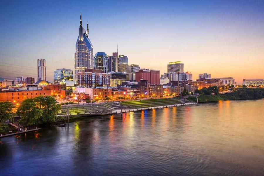 Downtown Nashville skyline on the Cumberland River. (Via Flickr)