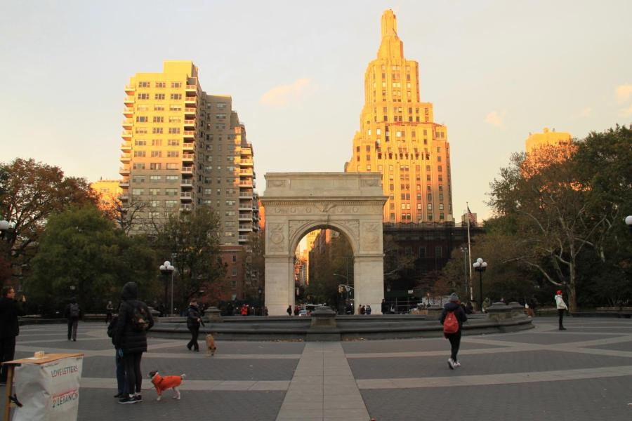 Washington Square Park is the center of both NYU and the surrounding Greenwich Village neighborhood. There is a certain culture of etiquette that new students should abide by when out in New York City. (Staff Photo by Alexandra Chan)