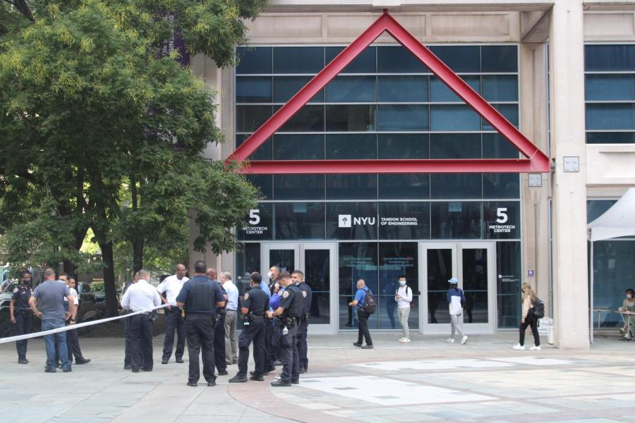 Police and guards surround the Tandon campus in Brooklyn. An individual was shot near 6 Metrotech on Tuesday afternoon. (Staff Photo by Arnav Binaykia)