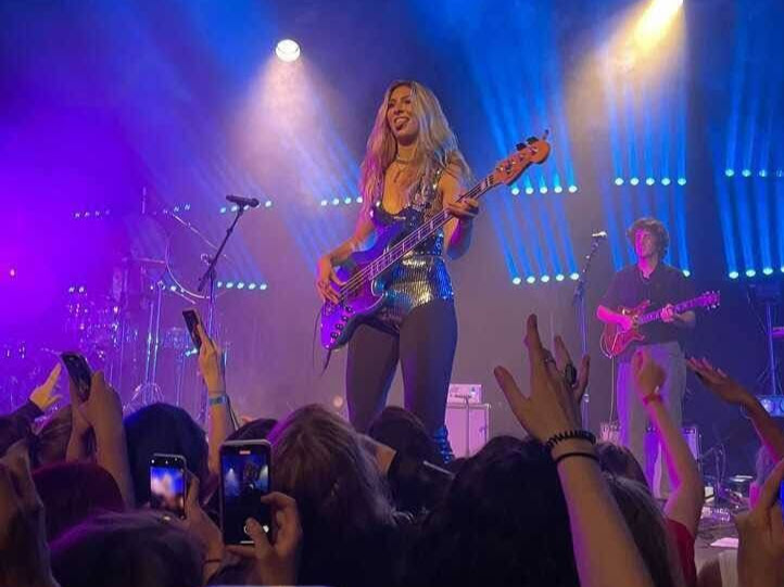 """Blu DeTiger performs songs from her latest EP, """"How Did We Get Here?"""" at the Music Hall of Williamsburg. DeTiger is a DJ, bass player, and NYU-student-on-leave, and energized the crowd with renditions of her popular songs. (Staff Photo by Yas Akdag)"""