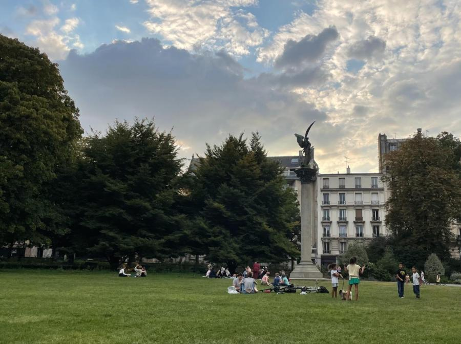 Moments are witnessed through people-watching at the Parc-de-Montsouris in Paris. (Photo by Andi Aguilar)
