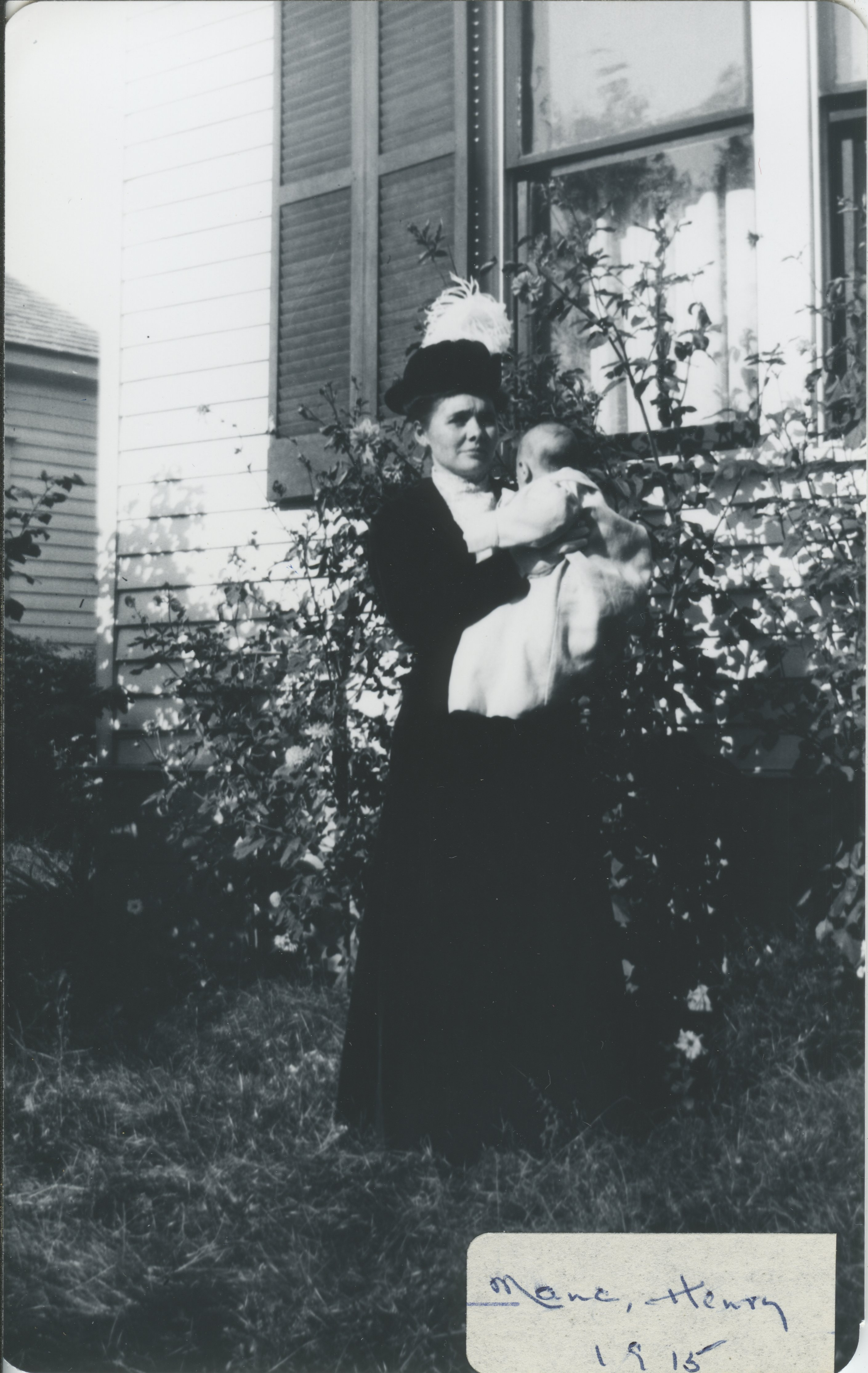 Mama Henry Circa