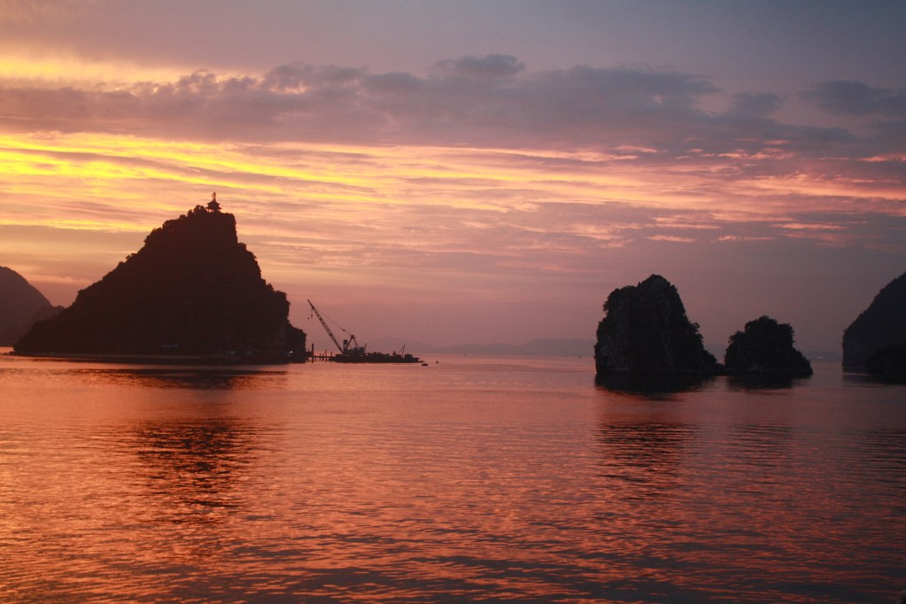 halong bay sunset vietnam