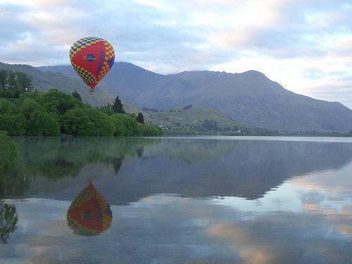balloon lake hayes, nz