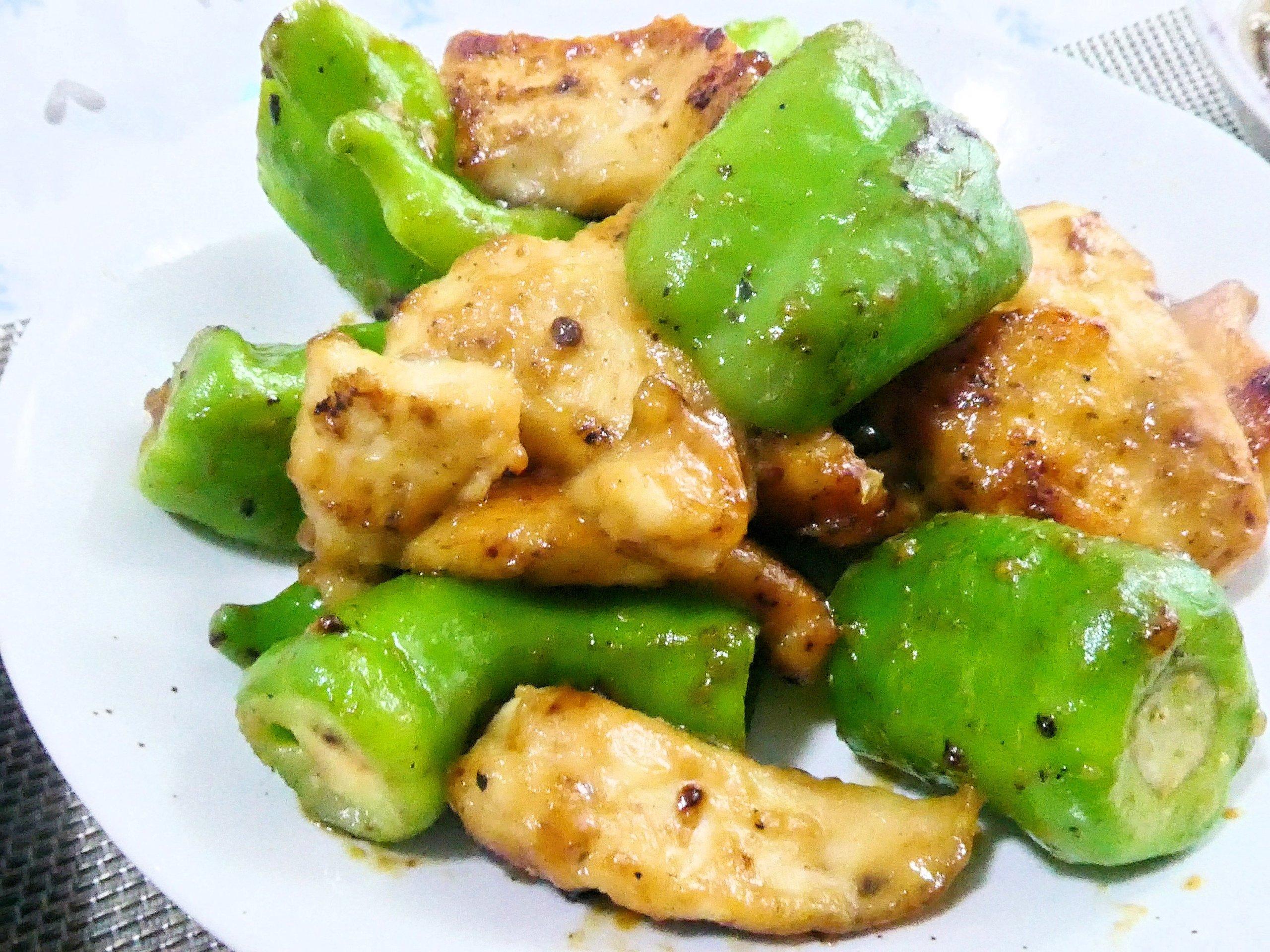 鶏胸肉と土佐甘とうの味噌炒め