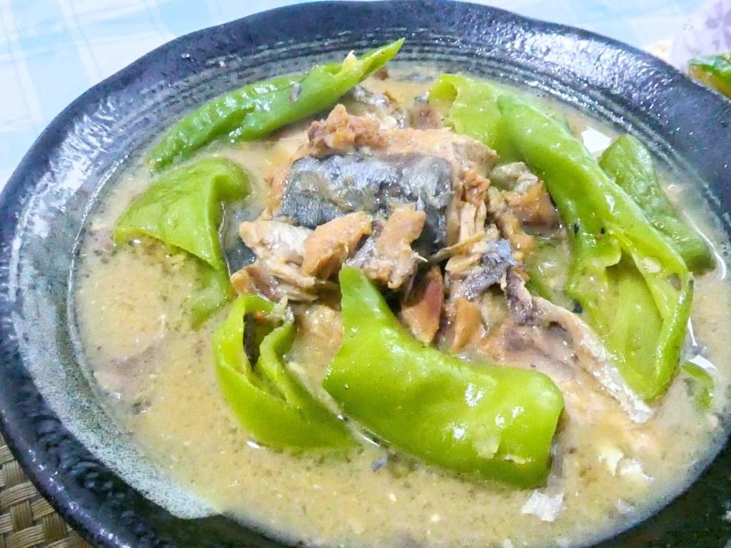サバの味噌煮缶と土佐甘とうの味噌煮