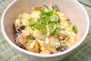 ホタテの卵とじ丼