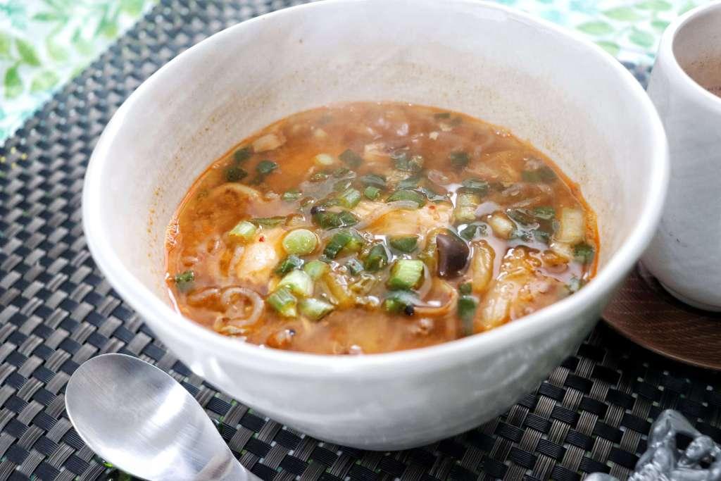 サバ缶としらたきのチゲスープ