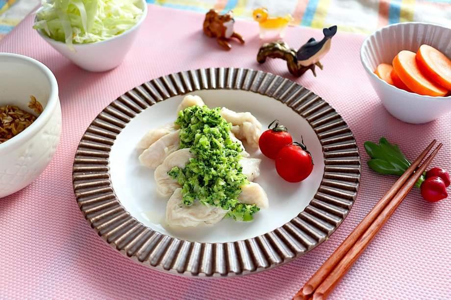 鶏胸肉の水晶鶏ブロッコリーソース
