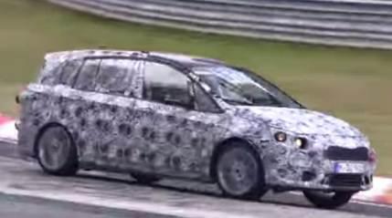 【ビデオ】BMW「2シリーズ アクティブツアラー」がニュルブルクリンクでテスト中!