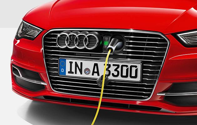 Audi dice che una berlina di EV con gamma del tipo di Tesla sta venendo nel 2017