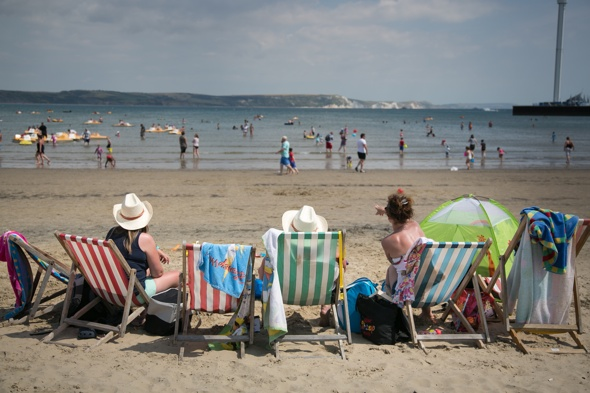 UK set for 'mini heatwave' thanks to Hurricane Cristobal