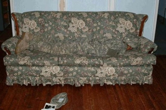 something ain't right photos, hidden funny photos, camouflage couch man