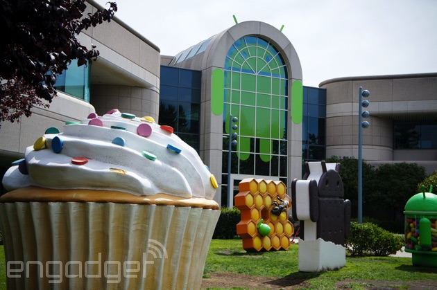Android Cupcake, Honeycomb, Ice Cream Sandwich and Jelly Bean statues
