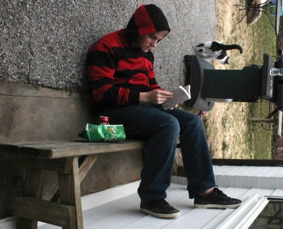 something ain't right photos, hidden funny photos, guy reading sideways