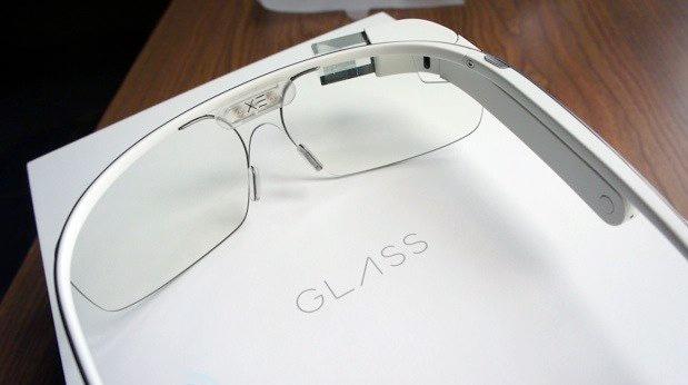 Il vetro seguente di Google sarà alimentato da Intel