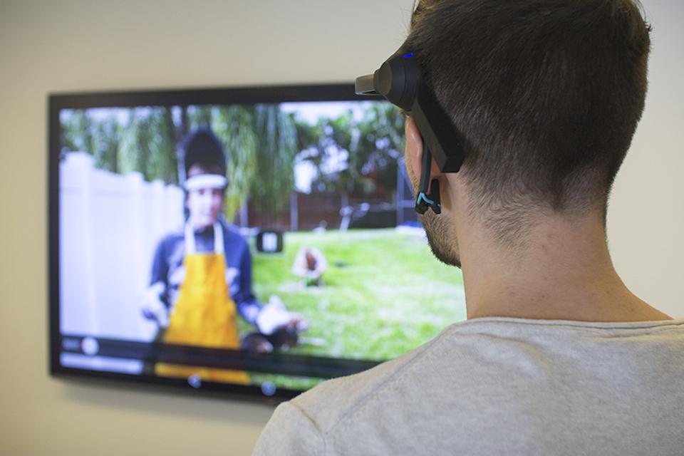 La BBC sperimenta vi lascia controllare il iPlayer con la vostra mente