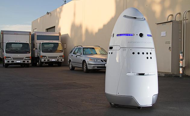 I robot autonomi e umano di taglia di sicurezza sono quasi qui