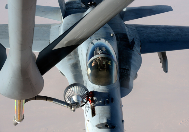 F/A-18 refueling from a KC-135