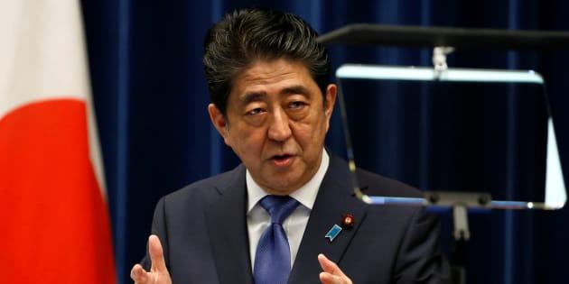安倍晋三首相は、9月28日の臨時国会の冒頭に衆議院の解散に踏み切ることを正式に表明した。 September 25, 2017.   REUTERS/Toru Hanai