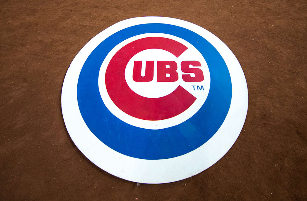 Chicago Cubs Flight Diverted To Albuquerque For Ill Non Player